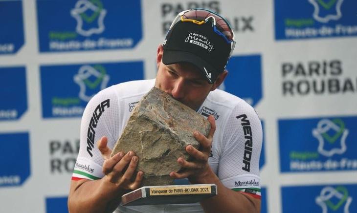 Η απίστευτη νίκη του Sonny Colbrelli στο Paris-Roubaix
